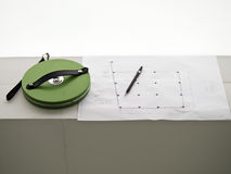 Het meten van band, potlood en bouwtekening Stock Foto's