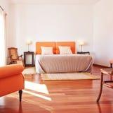 Het meubilair van de slaapkamer, bedbinnenland. Stock Afbeelding