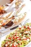Het middagmaal van het buffet, tomatensalade stock foto's