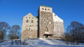 Het middeleeuwse kasteel van Abo, februari-dag Turku, Finland stock videobeelden