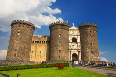 29 04 2016 - Het middeleeuwse kasteel van Maschio Angioino of Castel Nuovo (Nieuw Kasteel), Napels Stock Foto