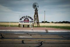 Het Middelpunt van Route 66 Half stock foto's