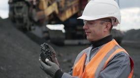 Het mijnbouwstuk van de handgreep stock footage