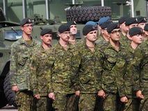 Het militaire Marcheren in KDays-Parade Edmonton Alberta Stock Fotografie