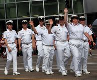 Het militaire Marcheren in KDays-Parade Edmonton Alberta Stock Foto's