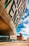 Het Millenniumcentrum van Cardiff in de Baai van Cardiff, Cardiff, Wales Royalty-vrije Stock Afbeeldingen