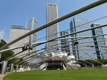 Het Millenniumpark Jay Pritzker Pavilion van Chicago stock fotografie