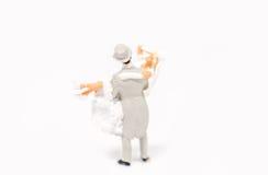 Het miniatuurpaar van het mensenhuwelijk op achtergrond met ruimte voor tex Royalty-vrije Stock Afbeeldingen