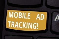 Het Mobiele de Advertentie van de handschrifttekst Volgen De monitormerk van de conceptenbetekenis perforanalysisce met inbegrip  royalty-vrije stock foto