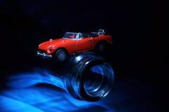 Het model in evenwicht brengen van de auto Stock Foto