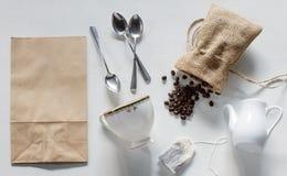 Het model van de koffieidentiteit met retro filtereffect dat wordt geplaatst Royalty-vrije Stock Foto's