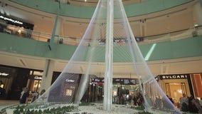 Het model van Toren bij de Kreekhaven van Doubai, de langste bouw in de wereld met een hoogte van 928 meters, was worden geopend  stock footage