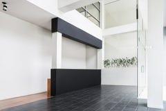 Het moderne binnenland van de architectuur minimale stijl Stock Foto