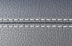 Het moderne binnenland van het sportwagen zwarte leer Een deel van de zeteldetails van de leerauto Royalty-vrije Stock Foto's