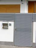 Het moderne detail van de huisingang stock foto's