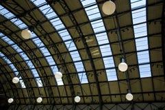 Het moderne plafond van de Wandelgalerij Stock Foto's