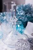 Het modieuze blauwe en zilveren Kerstmislijst plaatsen Stock Foto