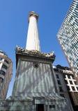 Het monument in Londen wordt gevestigd op de plaats van de Grote Brand van Londen in 1666 Stock Fotografie