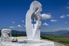 Het monument Maagdelijke Mary heerst binnen de stad of Stari Mali van Mali grad royalty-vrije stock foto