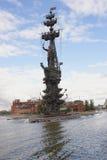 Het monument om de 300ste verjaardag van de Russische vloot, werd Zurab Tsereteli te merken gebouwd in 1997 stock afbeelding
