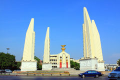 Het Monument van de Democratie van het Oriëntatiepunt â van Bangkok Stock Afbeeldingen