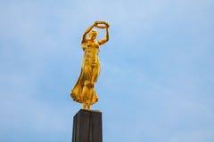 Het monument van Herinnering, Gelle Fra of Gouden Dame, is een oorlogsgedenkteken stock foto's