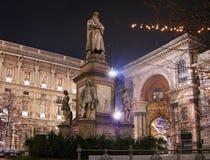 Het monument van Leonardo bij nacht, Milaan, Italië Royalty-vrije Stock Foto