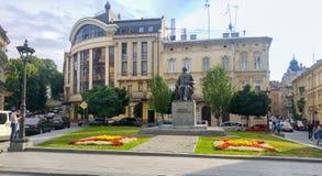 Het monument van Mykhailo Hrushevsky - Oekraïense en Sovjetacademicus, politicus, historicus, en staatsman stock afbeeldingen