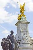 Het Monument van Victoria in het Buckingham Palace Stock Fotografie