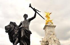 Het Monument van Victoria in het Buckingham Palace Royalty-vrije Stock Afbeelding