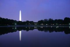 Het Monument van Washington bij schemer Stock Fotografie