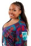 Het mooie Afrikaanse Amerikaanse vrouw glimlachen Stock Foto