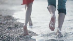 Het mooie Blauwe Golf Verpletteren stock videobeelden