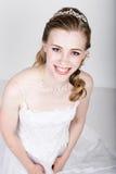 Het mooie bruid grappige stellen, die verschillende emoties uitdrukken Mooie bruid met het kapsel van het manierhuwelijk Grappige Stock Afbeelding