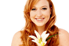 Het mooie dame stellen met leliebloem Royalty-vrije Stock Afbeelding