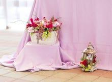 Het mooie decor van bloemenboeketten Royalty-vrije Stock Afbeelding