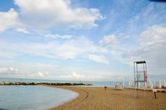 Het mooie die strand langs de kust van Conero in wordt gevestigd brengt in de war Stock Afbeelding