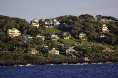 Het mooie Eiland van de Huizen van de Kust Roatan Stock Foto's