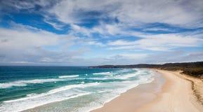 Het mooie eiland van de strandscène moreton stock afbeeldingen