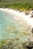 Het mooie Grote Knip-Strand in de Caraïben stock afbeeldingen