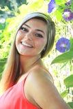 Het mooie Hogere Meisje van de Blondemiddelbare school Openlucht Stock Afbeeldingen