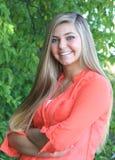 Het mooie Hogere Meisje van de Blondemiddelbare school Openlucht Royalty-vrije Stock Fotografie