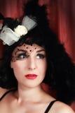 Het mooie jonge dame stellen als oude filmdiva 2 Royalty-vrije Stock Afbeelding