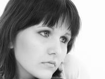 Het mooie Jonge Denken van de Vrouw aan Haar Valentijnskaart stock foto