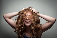 Het mooie jonge model stellen Stock Foto