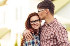 Het mooie jonge paar van het close-upportret stock afbeelding
