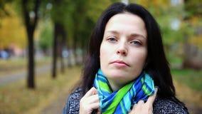 Het mooie jonge portret Volledige HD van de vrouwenclose-up stock footage