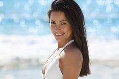 Het mooie jonge vrouw glimlachen Stock Foto's