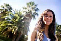 Het mooie jonge vrouw glimlachen Royalty-vrije Stock Afbeeldingen