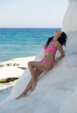 Het mooie jonge vrouw ontspannen Royalty-vrije Stock Foto
